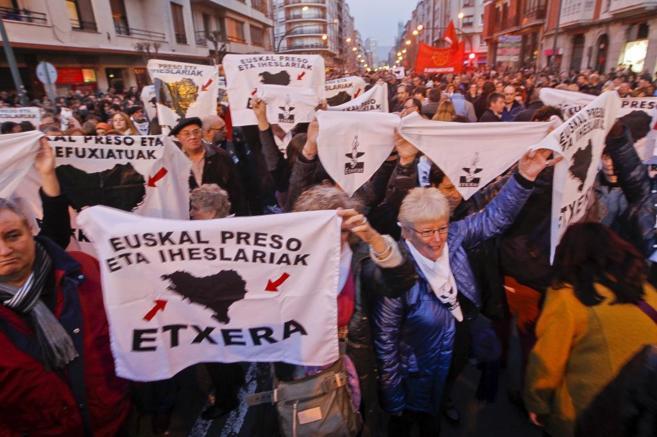 Manifestación en Bilbao exigiendo el acercamiento de los presos...