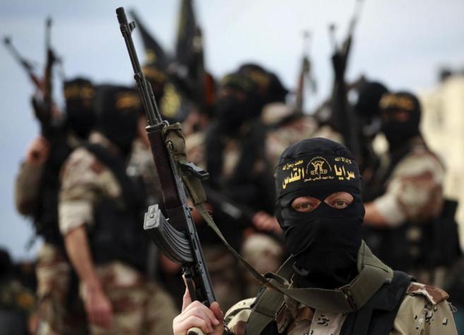 Un militante de la Yihad Islámica, durante el funeral de ayer de sus...