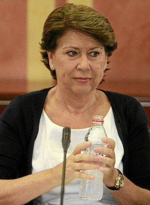 Magdalena Álvarez, en el Parlamento andaluz.