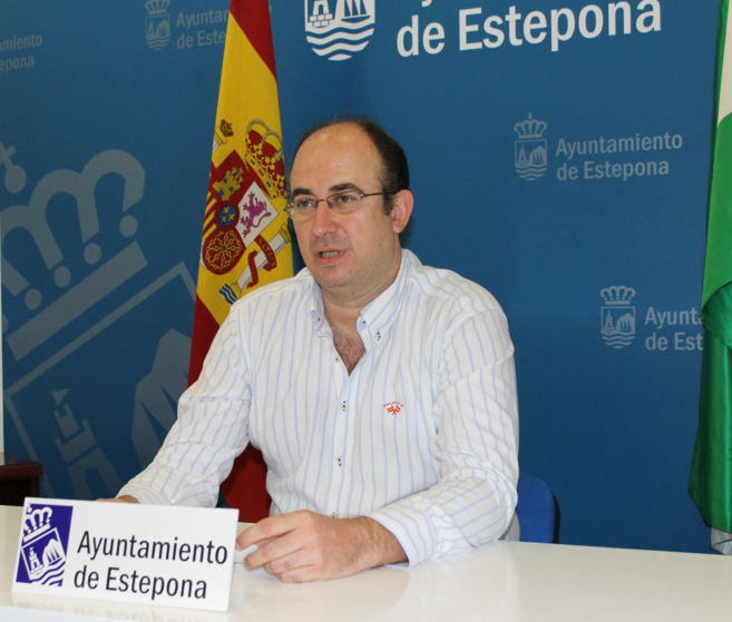 Manuel Aguilar.