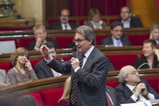 Mas dice que el 9 de noviembre colocará las urnas para celebrar la consulta  · VÍCTOR MONDELO Barcelona 844da35455c19