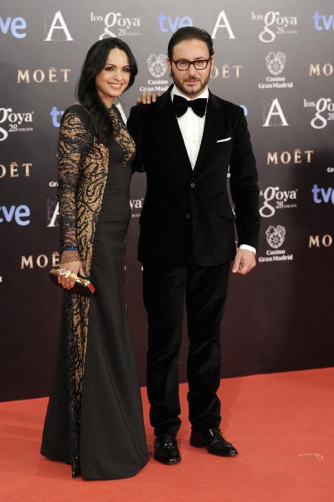 El actor Carlos Santos y su pareja, en el 'photocall' de los...