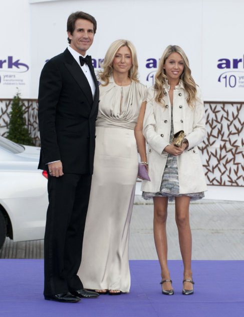 1d18123a4 amilia feliz  Pablo de Grecia y Marie-Chantal Miller