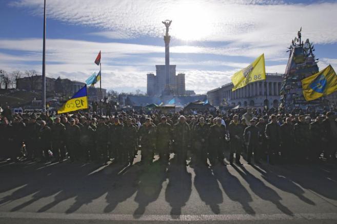 Voluntarios ucranianos de las fuerzas de autodefensa del Maidán en la...