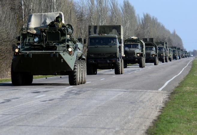 Tropas rusas cerca de la ciudad ucraniana de Dzhankoy.