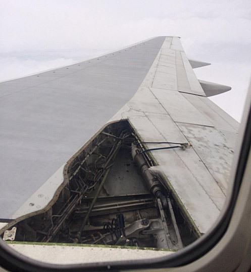 Imagen del estado del ala del avión  de la compañía Delta.