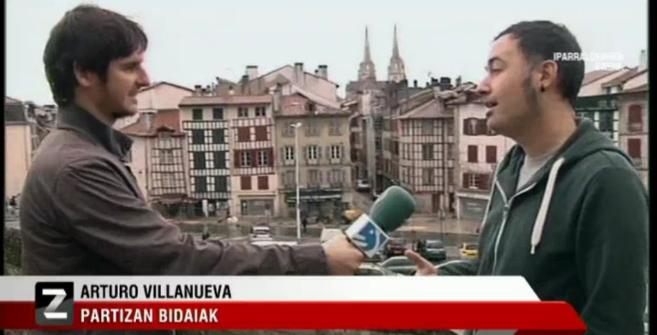 Arturo Villanueva cuenta las ofertas de su agencia de viajes desde las...