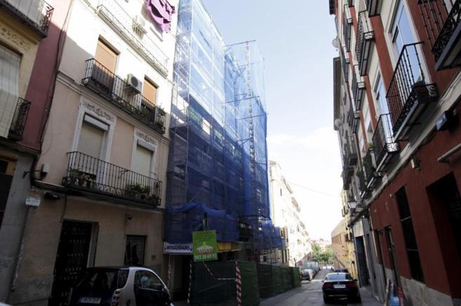 Imagen de un edificio en fase de rehabilitación en Madrid.