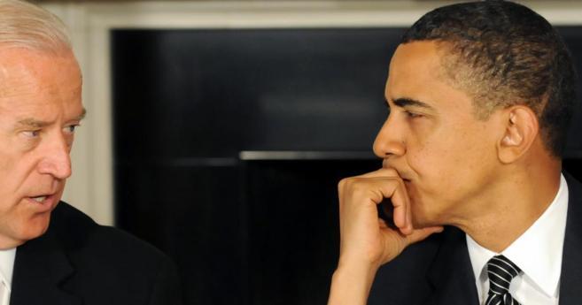 El presidente de Estados Unidos Barack Obama junto al vicepresidente...