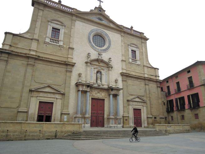 La catedral de Vic conté els impressionants frescos de Josep Mª...