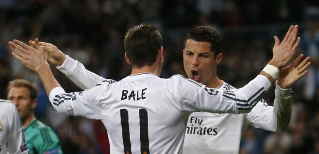 Cristiano y Bale celebran uno de los dos goles del portugués.
