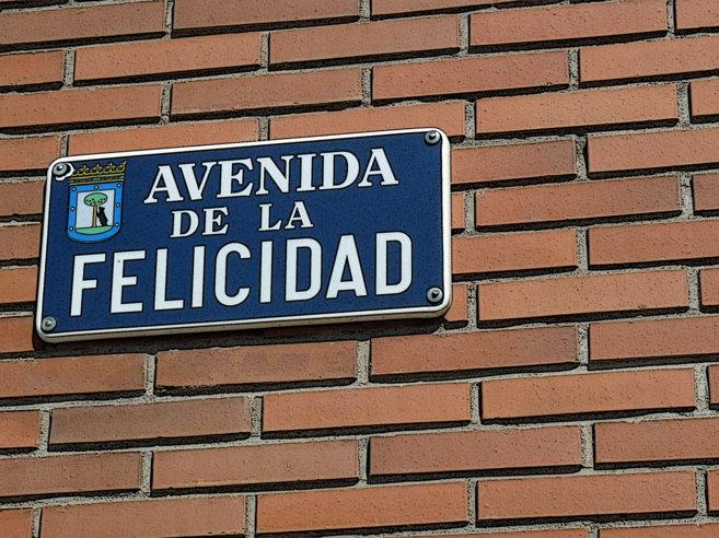 La Avenida de la Felicidad está en el barrio de Ciudad de los...