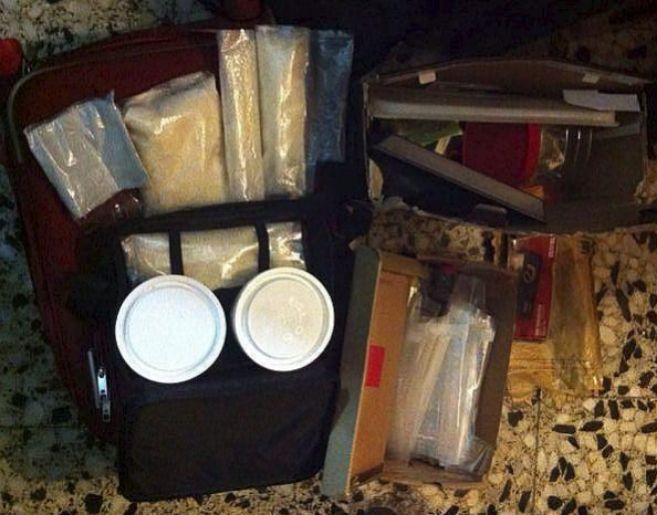 El maletín de Amor Solo, con la droga lista para ser distribuida.