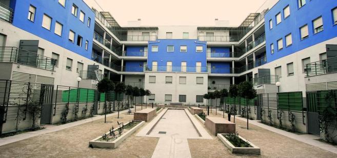 Patio interior de un edificio de la EMVS en Carabanchel, Madrid.