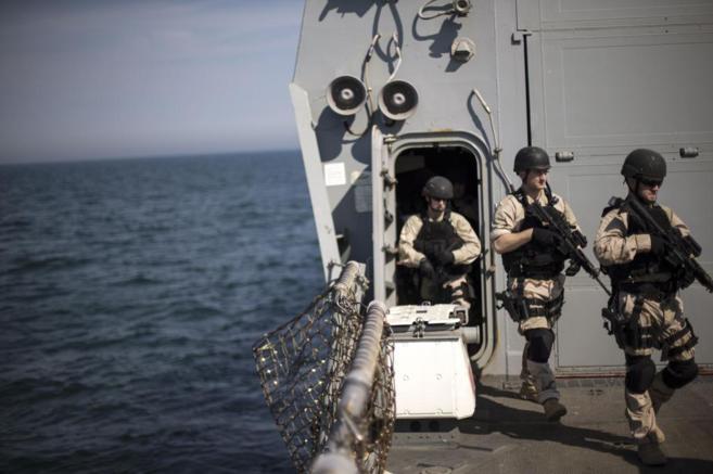 Soldados norteamericanos en el Mar Negro, cerca de Bulgaria y...