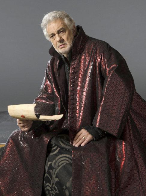 Plácido Domingo, caracterizado como Simon Boccanegra.