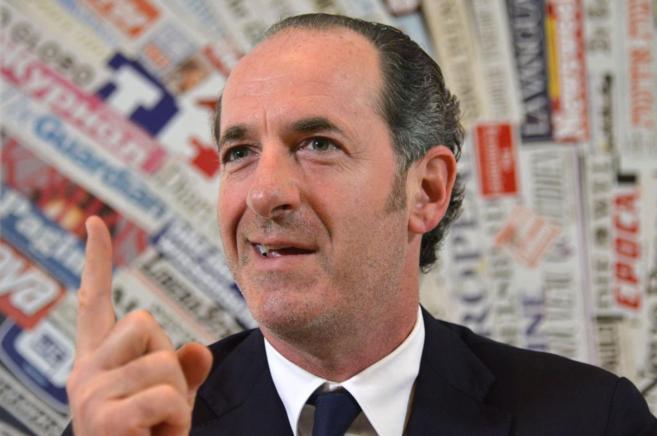 El presidente de la región del Veneto durante una conferencia de...