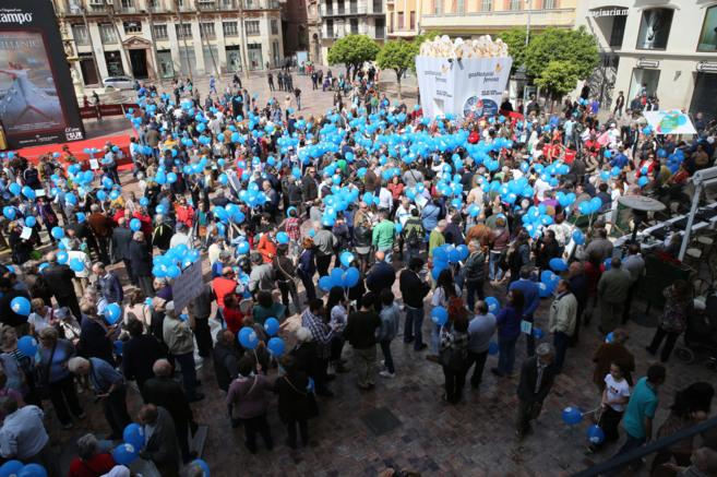 Manifestantes al inicio de la protesta en la plaza de la...