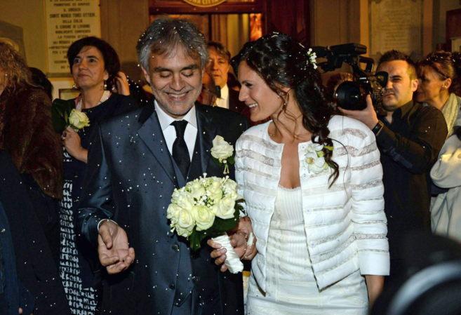Boccelli y su mujer.