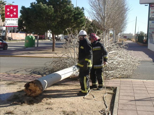Actuaciones de los bomberos en episodios de fuertes vientos en la...