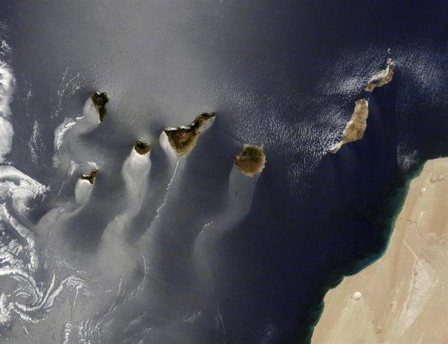 La foto del archipiélago canario tomada por el satélite Terra,...