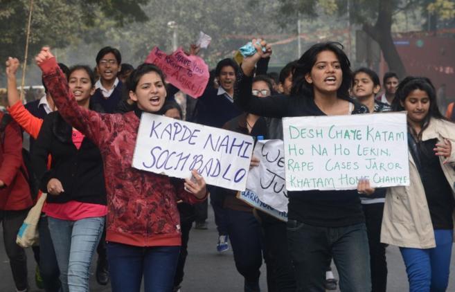 Un grupo de mujeres indias se manifiesta contra el Gobierno por su...