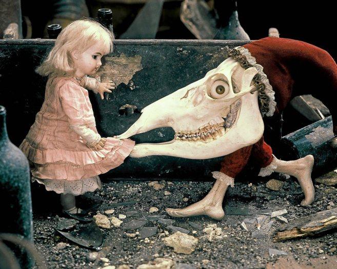 Fotograma de 'Alice', la particular reinterpretación del...