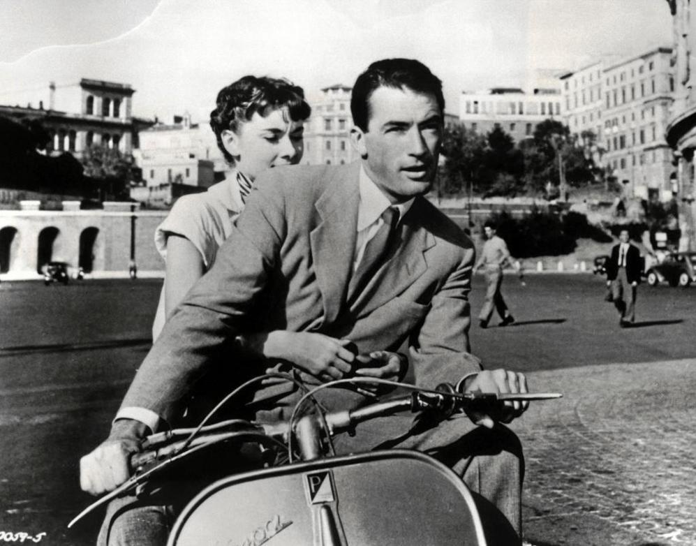 Audrey Hepburn y Gregory Peck en 'Vacaciones en Roma',...