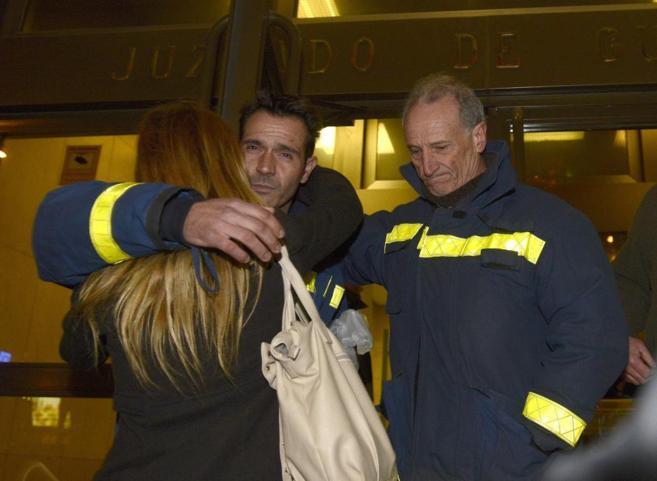 Santiago de la Fuente, el bombero detenido en enero, al salir del...