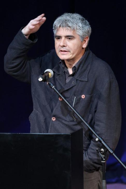 Juan Bonilla, tras recibir el galardón en Lima.