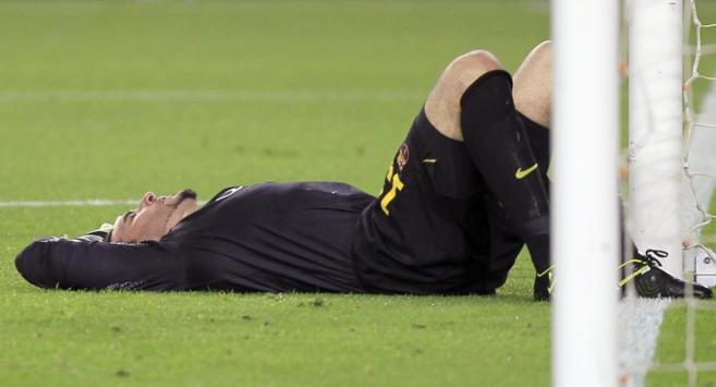 Pinto se llevó un golpe tras sustituir al lesionado Valdés.