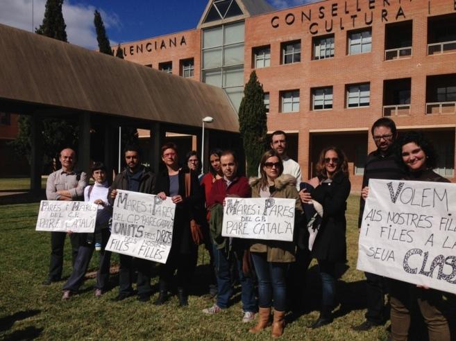Los padres del colegio protestan ante la Conselleria.