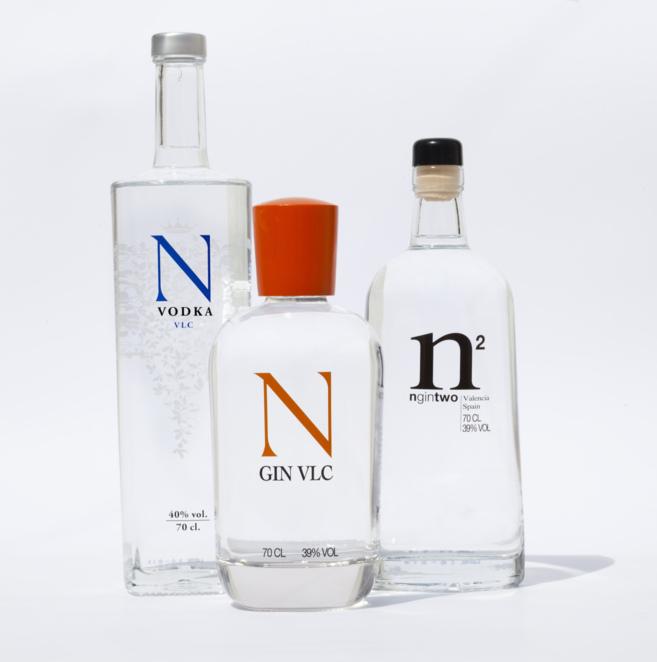El vodka y las dos ginebras valencianas que comercializa Bodegas y...