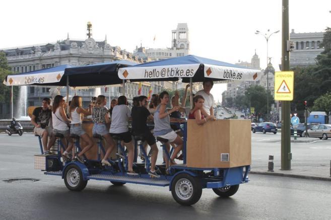 'Beer bike' de la compañía que circula por las calles de...