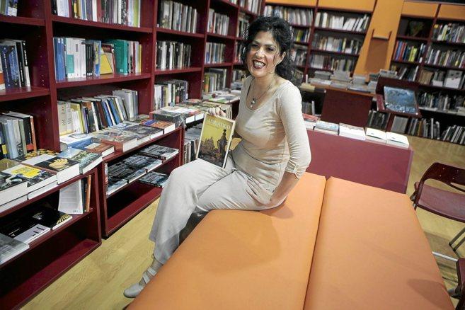 La escritora y periodista Eva Díaz Pérez, en la presentación de...