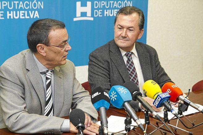 Gonzalo Rodríguez (dcha.), presidente de la mancomunidad de Giahsa,...