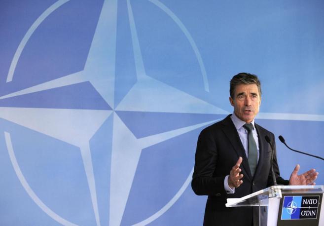 El secretario general de la OTAN, Rasmussen, en los cuarteles...