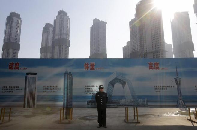 Grandes edificios de  de viviendas en construcción en Wuhan, China.