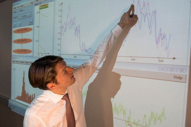 El sistema SENN usa datos empíricos para conocer la generación de...