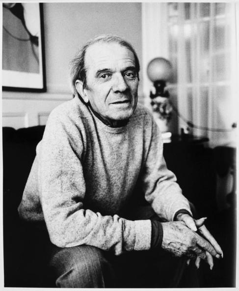 Gilles Deleuze en su casa de la avenida Niel en 1988.