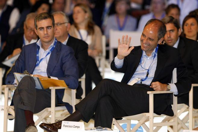Ricardo Costa y Francisco Camps, durante el congreso regional del PP...