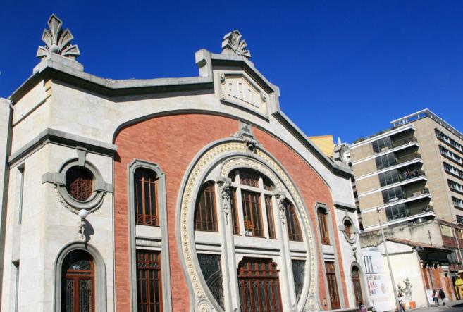 La fachada del Teatro Faenza tras la rehabilitación total de su...