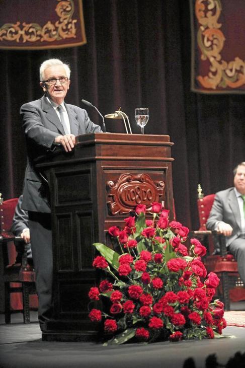 Garel-Jones en su discurso del pregón taurino en Sevilla en 2012.