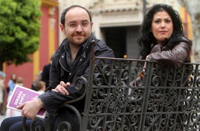 Los periodistas de EL MUNDO Eva Díaz Pérez y José María Rondón,...