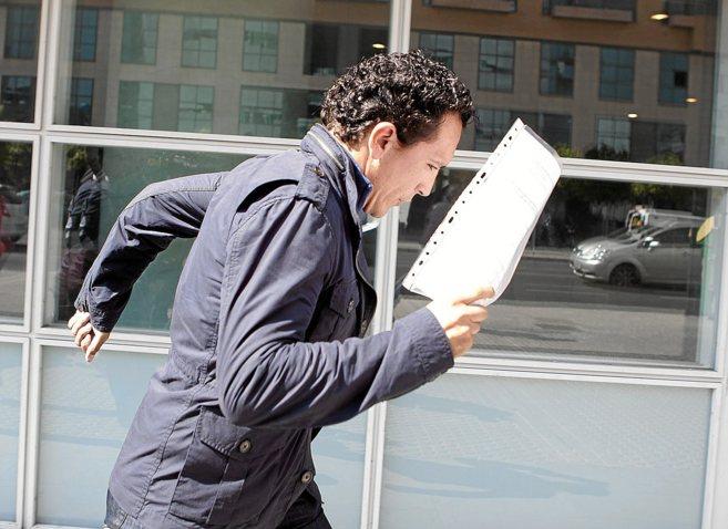 Jonathan Vázquez, a la salida del juicio por la agresión que...