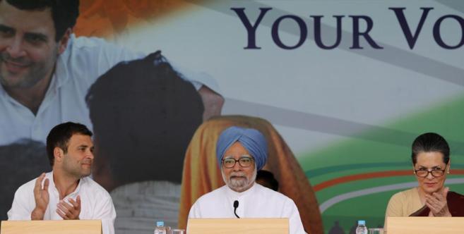 Rahul Gandhi; el primer ministro de la India, Manmohan Singh, y la...