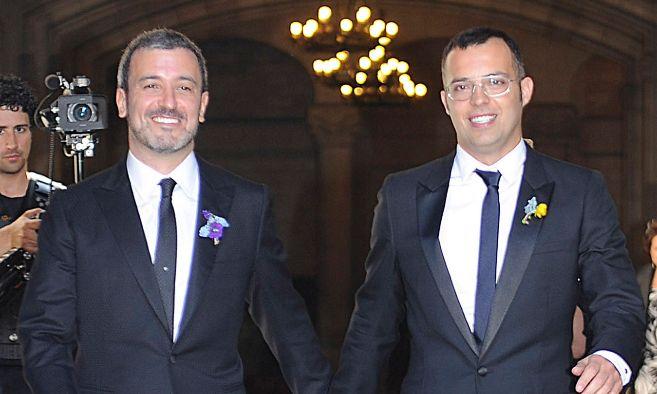Jaume Collboni y su marido Óscar Cornejo el día de su boda
