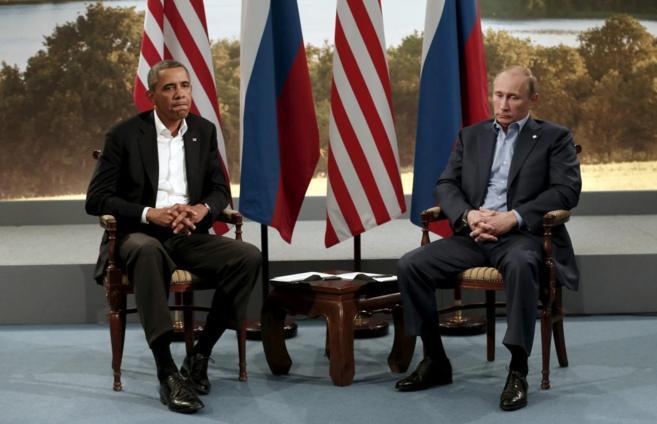 El presidente de Estados Unidos, Barack Obama, con el presidente...