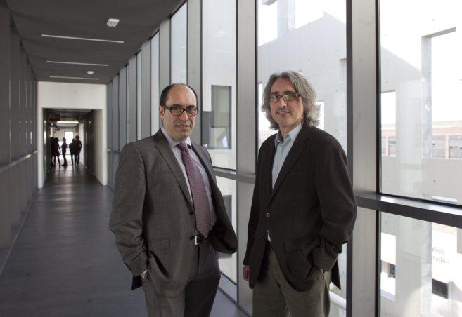 Pablo Ordejón, director del ICN2, y Jordi Reverter, director de...