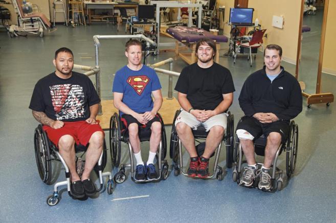 Los participantes, con paraplejia, han logrado mover y sentir sus...